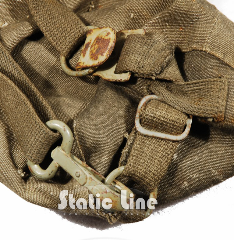 static line military jean michel selles housse masque gaz parachutiste allemand. Black Bedroom Furniture Sets. Home Design Ideas